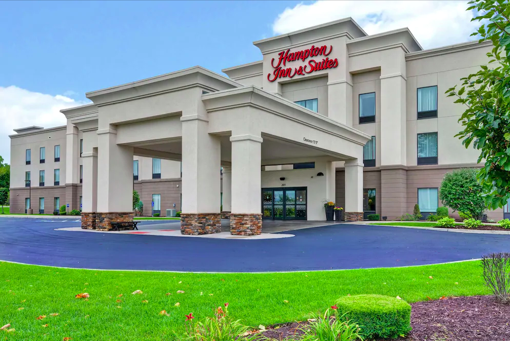 Soldiers being housed in New York Hampton Inn & Suites by Hilton During COVID-19 Pandemic