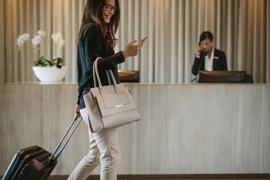 4 Simple Ways to Enhance Your Hotel's Guest Experience & Reviews
